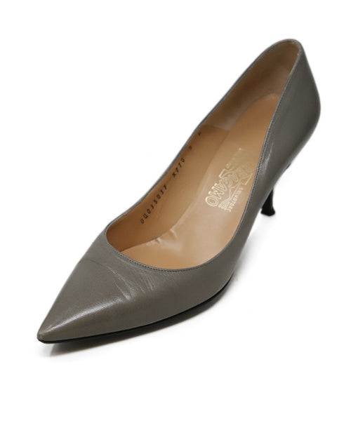 Ferragamo Grey Leather Heels 1