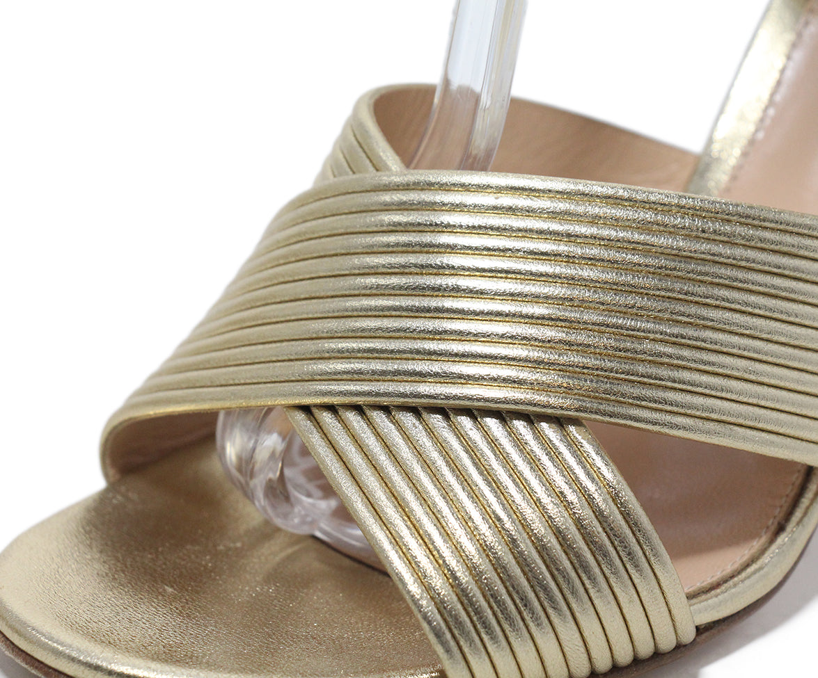 Gianvito Rossi Gold Leather Sandals 8