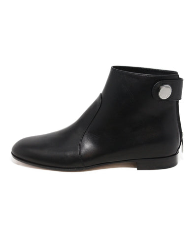 Gianvito Rossi black leather booties 1