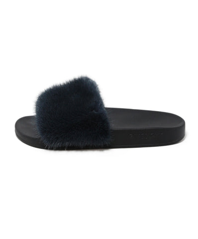 Givenchy Navy Fur Black Rubber 1