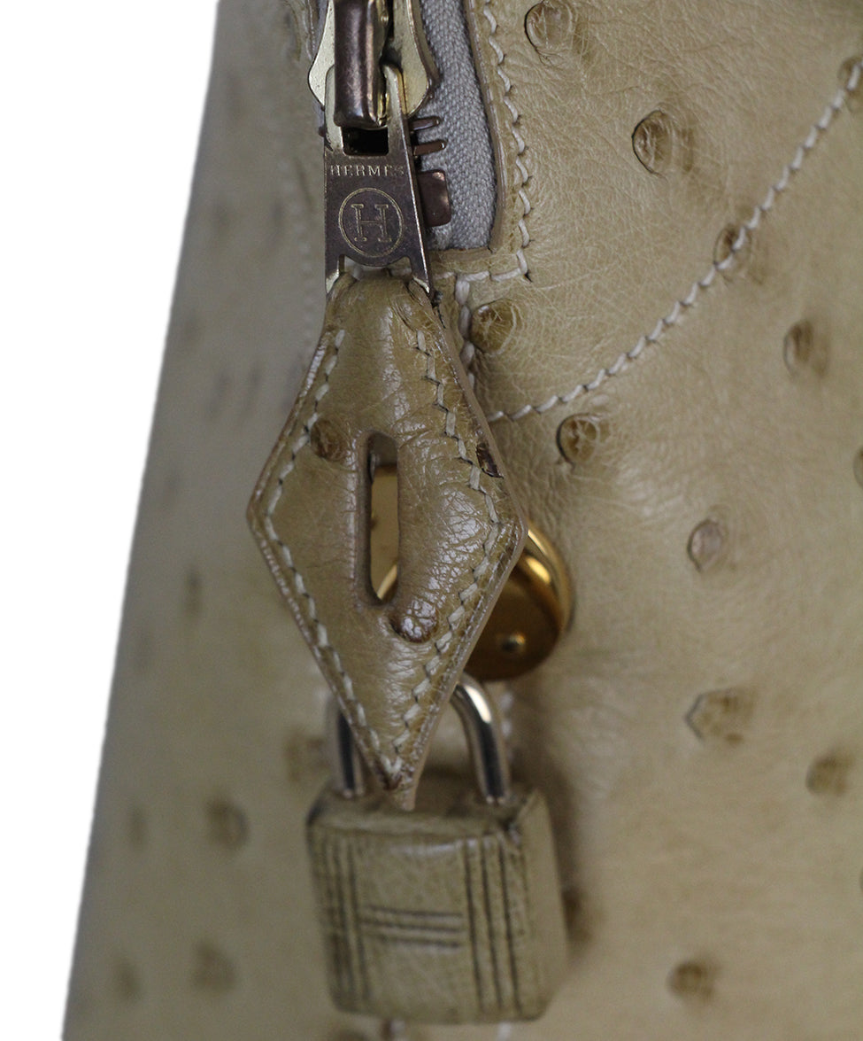 802c8aa6ba57 Gold Hardware Hermes Neutral Beige Ostrich W Strap W Dust Cover ...