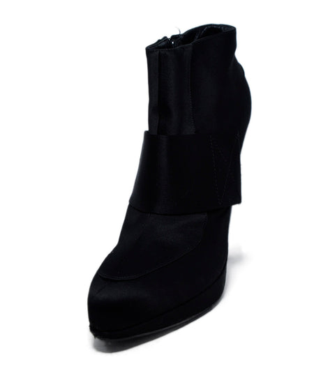 Saint Laurent Black Leather Booties Sz. 35.5