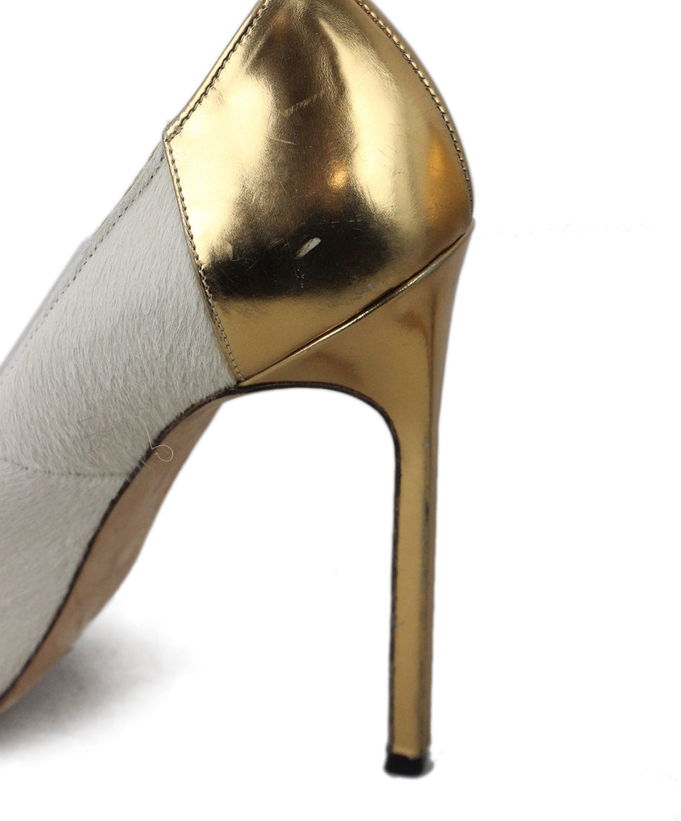 Manolo Blahnik Neutral Tan Fur with Gold Leather Heels 9