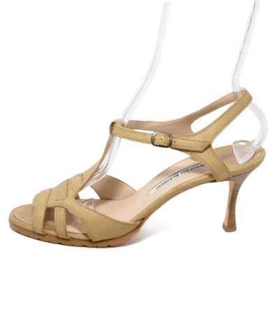 Manolo Blahnik Neutral Tan Leather Buckle Heels 1
