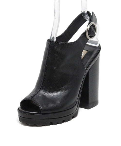 Michael Kors Black Leather Sandals 1