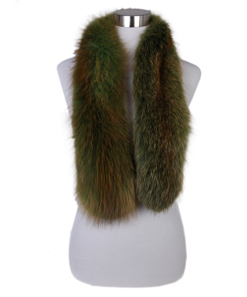 Oscar de la Renta Green brown fox scarf 1
