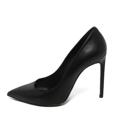 Saint Laurent black leather pumps 1