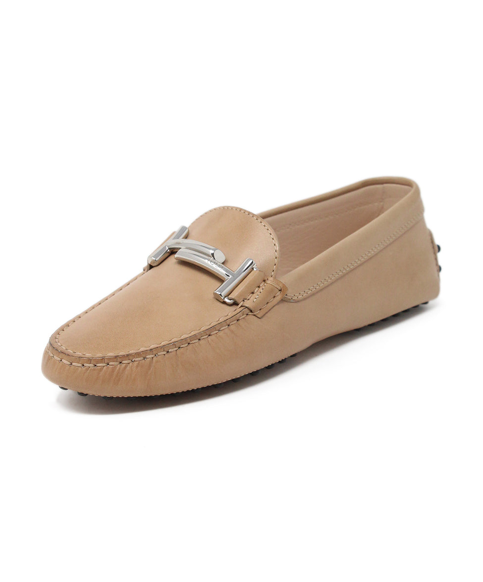 Tod's Tan Leather Flats 1