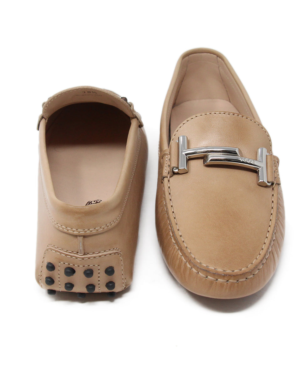 Tod's Tan Leather Flats 3