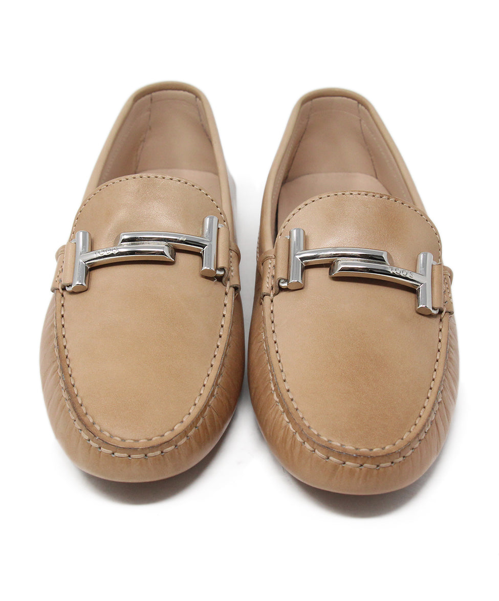 Tod's Tan Leather Flats 4