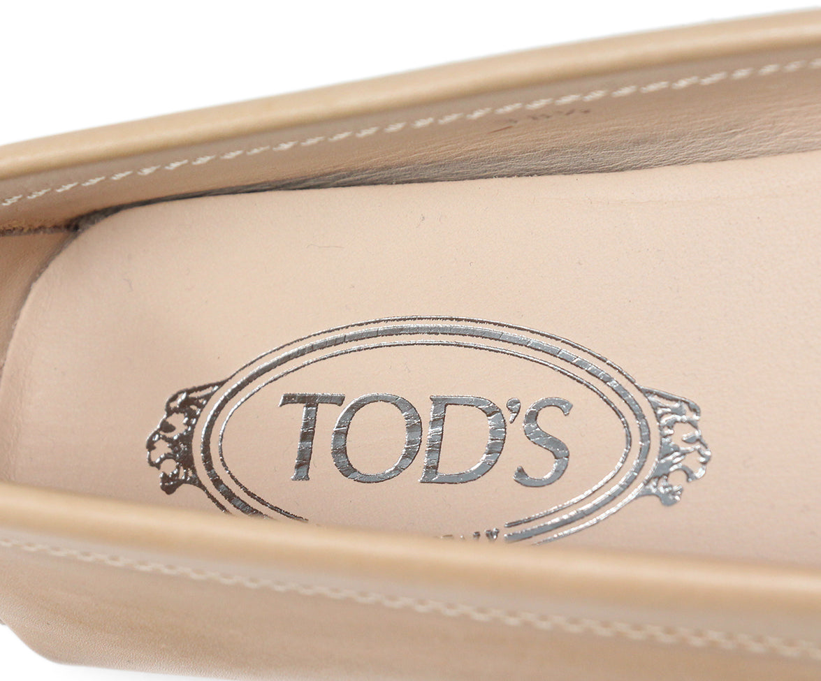 Tod's Tan Leather Flats 7