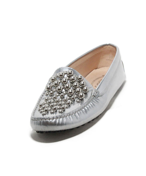 Tod's metallic silver leather flats 1