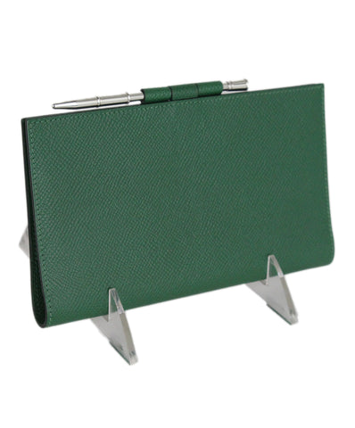 hermes green leather checkbook cover with pen 1