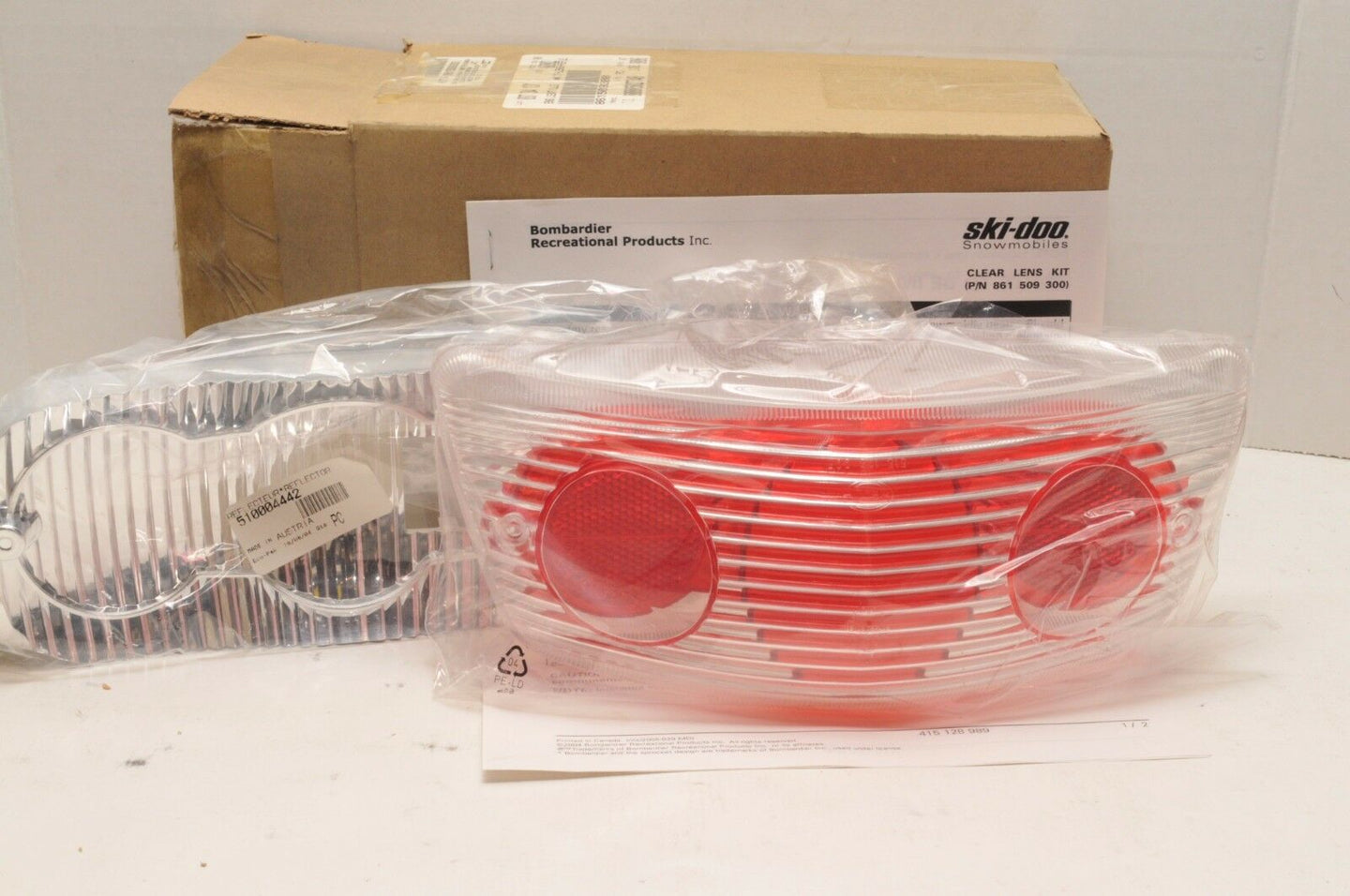 NEW NOS SKIDOO CLEAR TAIL LIGHT TAILLIGHT BRAKE KIT 861509300 2005-08 MX Z GTX++