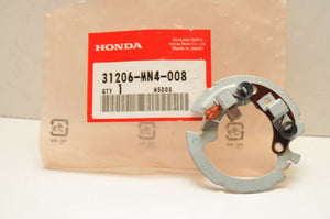 OEM Honda 31206-MN4-008 BRUSH HOLDER SET TRX300 CB400F CB125TT TRX400 VFR800 ++