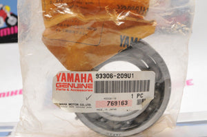 NEW NOS OEM YAMAHA MARINE 93306-209U1-00 BEARING, CRANKSHAFT 250 225 300