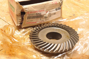 NEW NOS OEM Kawasaki FINAL DRIVE GEAR BEVEL ONLY KLF185 BAYOU 185 1986-1988