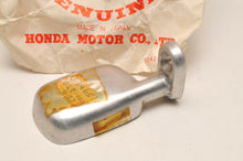 Load image into Gallery viewer, NOS OEM HONDA 33465-028-000 Turn Signal Base S90 C90 Vintage