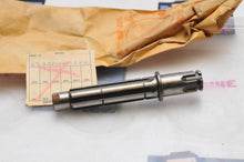 Load image into Gallery viewer, NEW NOS OEM HONDA 23221-001-050 COUNTERSHAFT CA100 CA102 CA110 - RUSTY TIP
