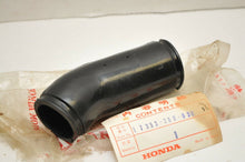 Load image into Gallery viewer, GENUINE NOS HONDA 17353-268-030 TUBE, LEFT AIR CLEANER CONNECTING CB72 CB77