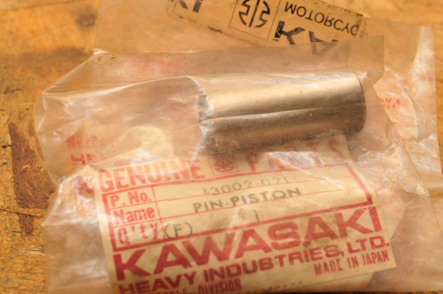 NEW NOS KAWASAKI WRIST PIN - PISTON 13002-021 KH250 S1 Mach I 1973-1976