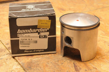 Load image into Gallery viewer, GENUINE SKIDOO SKI-DOO PISTON - WITH RINGS  420994460 76.0