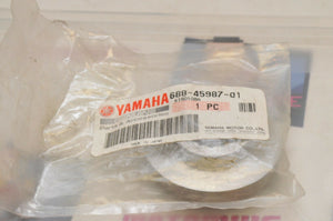 NEW NOS OEM YAMAHA MARINE 688-45987-01 SPACER 1 - 50 70 90 75 80 60 85 ++ LOWER