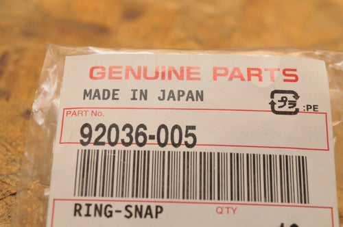 NEW NOS KAWASAKI CIRCLIP SNAP RING - PISTON 92036-005 *PAIR* 2pcs GPZ750 ZX7 ++