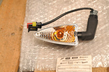 Load image into Gallery viewer, NEW 643063 PIAGGIO RH RIGHT FRONT TURN SIGNAL ASSEMBLY - BV350 2012-2017