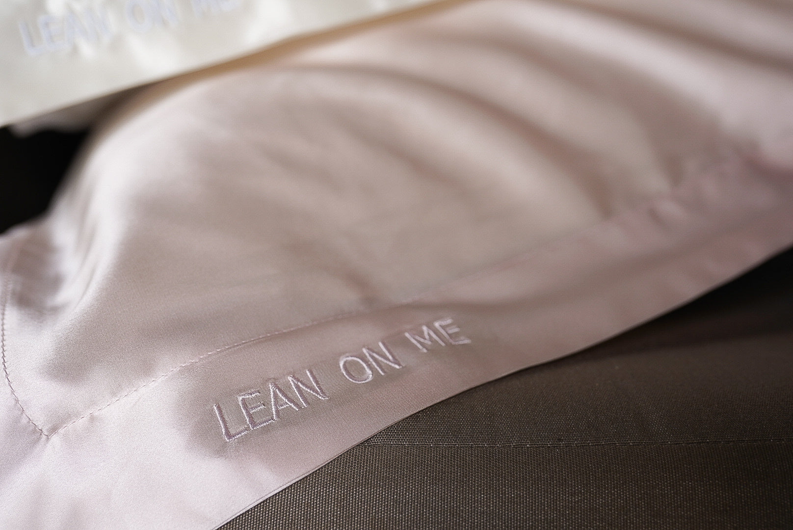 LEAN ON ME SILK PILLOWCASE