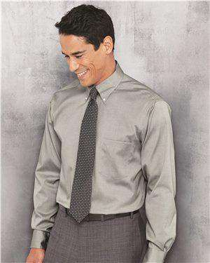 Brand: Van Heusen | Style: 13V0143 | Product: Non-Iron Pinpoint Oxford Shirt