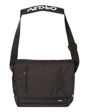 Oakley Street Ripstop-Lined Messenger Bag