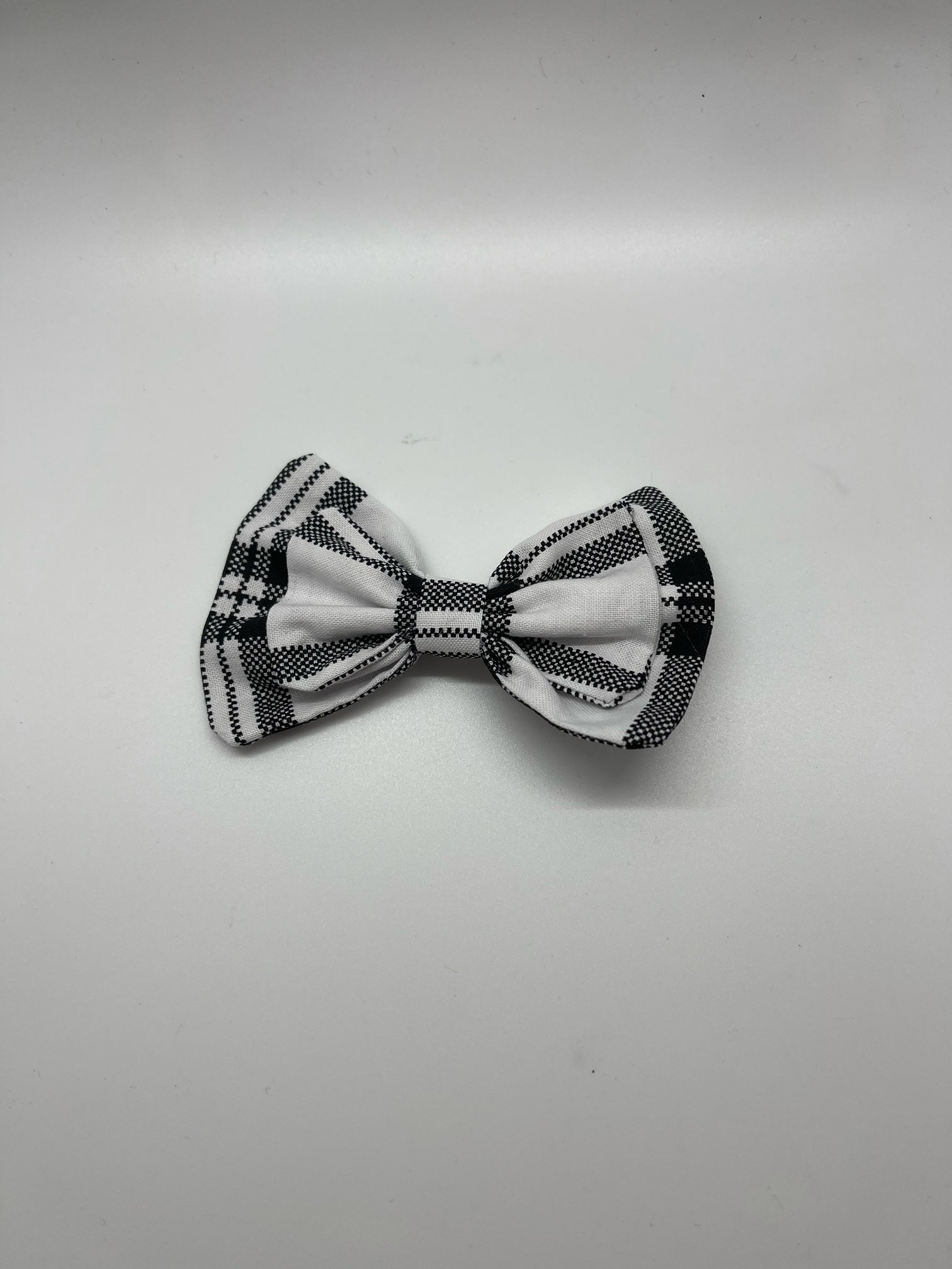 WALNUT STREET TREASURES - BLACK/WHITE PLAID
