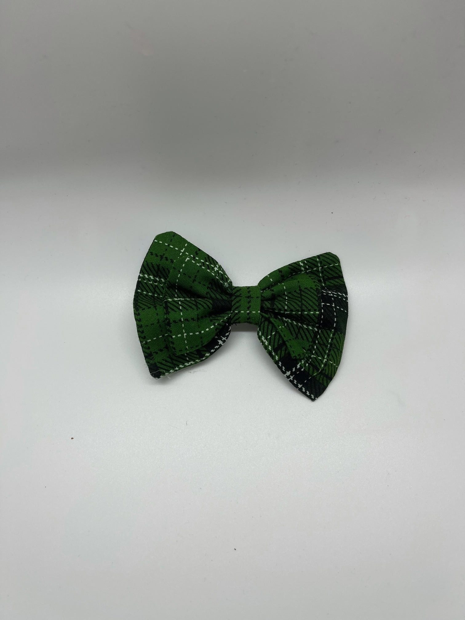 WALNUT STREET TREASURES - GREEN/BLACK/WHITE PLAID