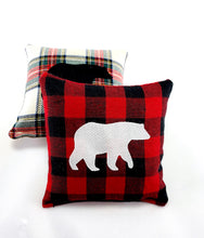 Load image into Gallery viewer, Maine Balsam Fir Sachet with Appliqued Polar Bear on Cotton and Linen