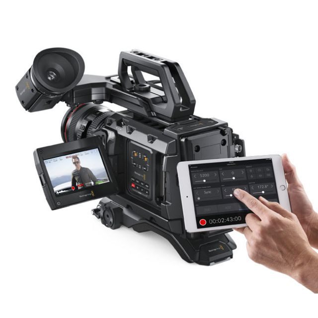 Blackmagic URSA Mini Pro 4.6K G2 & GEN ENERGY 98Wh V-Mount Battery Kit