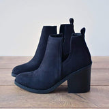 Bonnieshoes  Ankle Pointed Chunky Boots
