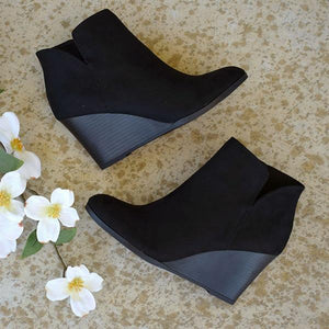 Bonnieshoes Side Slit Wedge Booties