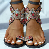 Bonnieshoes Women Boho Toe Ring Studded Flower Pattern Flat Sandals