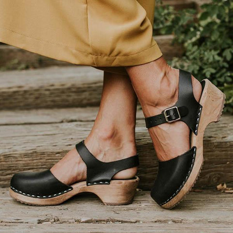 Bonnieshoes Ankle Strap Chunky Heel Low Platform Sandals