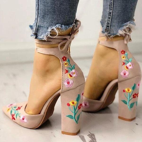 Bonnieshoes Floral Embroidered Pointed Toe Chunky Heeled Sandals