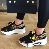 Bonnieshoes Lace-Up Low-Cut Upper Round Toe Print Casual Sneakers