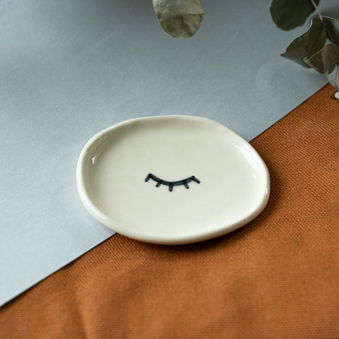 Mini Plate/Sleeping