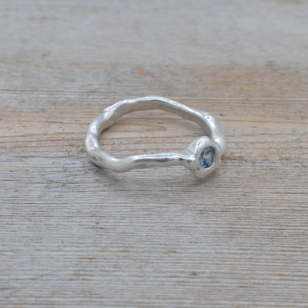 Cute As A Button Silver Ring w/Sapphire size 5.5