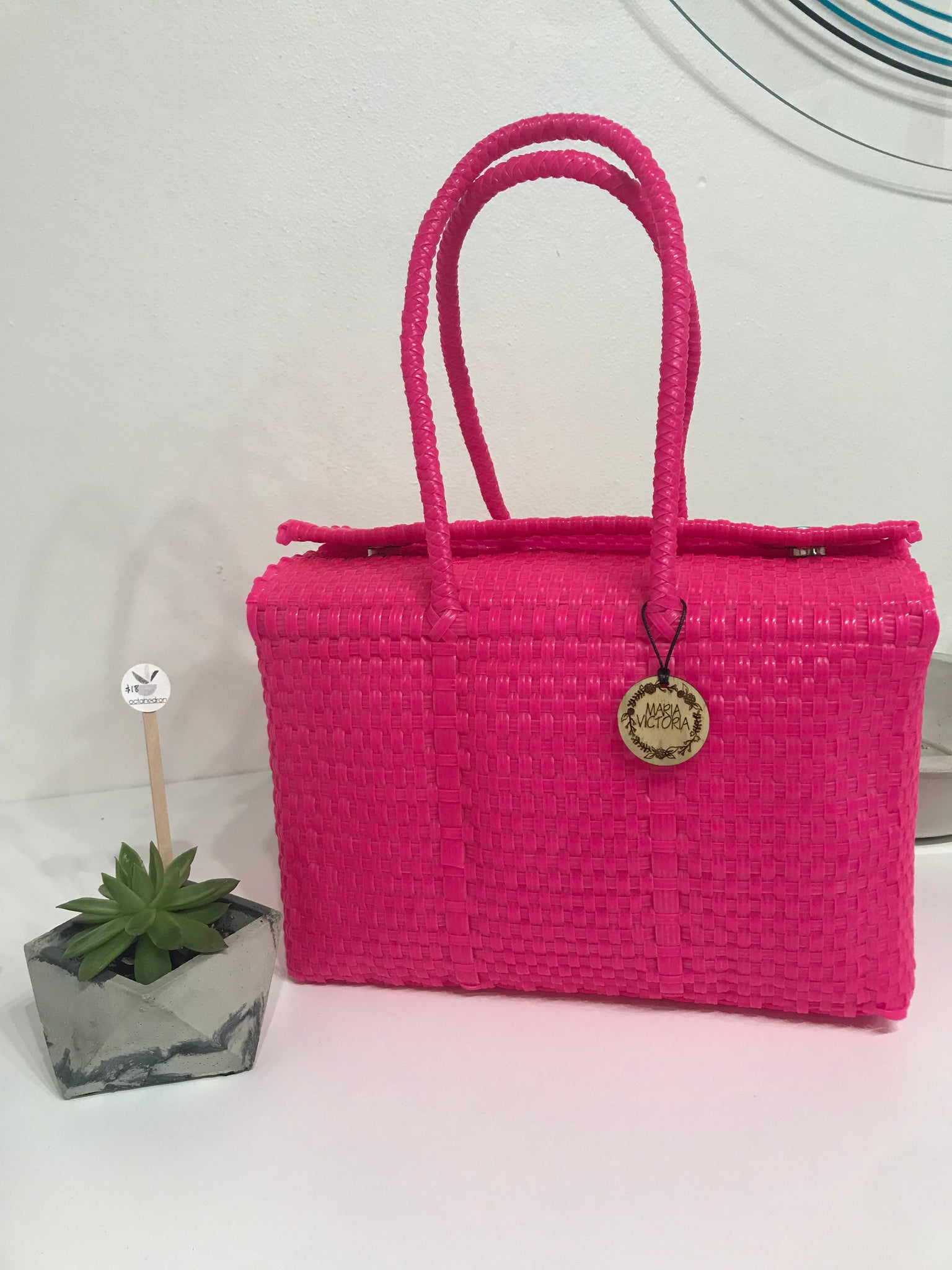 Siqueiro Hot Pink | the makers