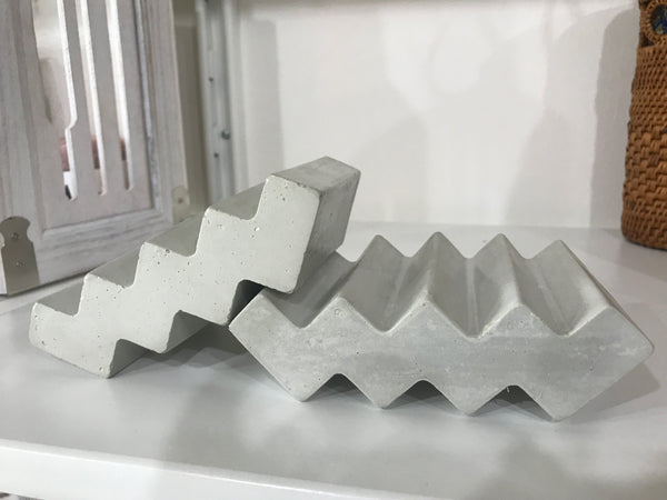 Zig Zag Concrete Soap Holder