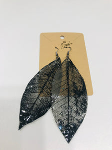 Black Leaves Earrings 1