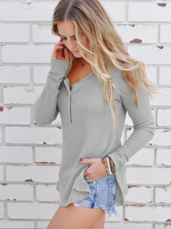 Round collar three-button split sweater