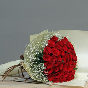 Red rose bundle