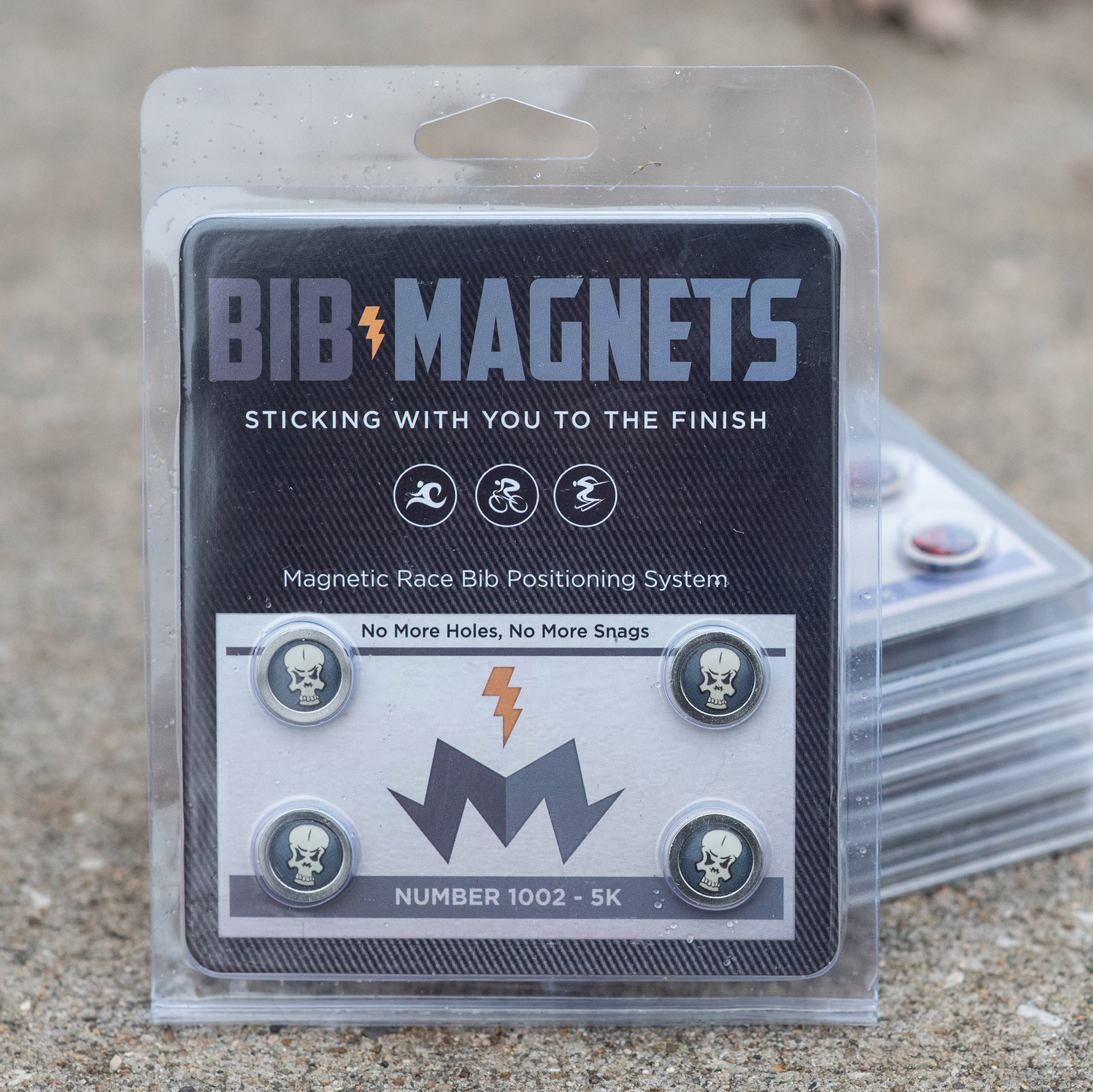 Skully Bib Magnets Alt